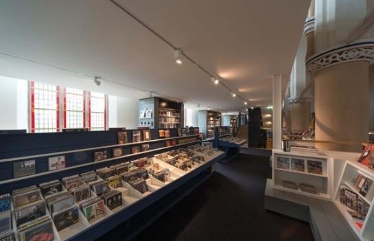 14-Bookshop-interior-design-600x387